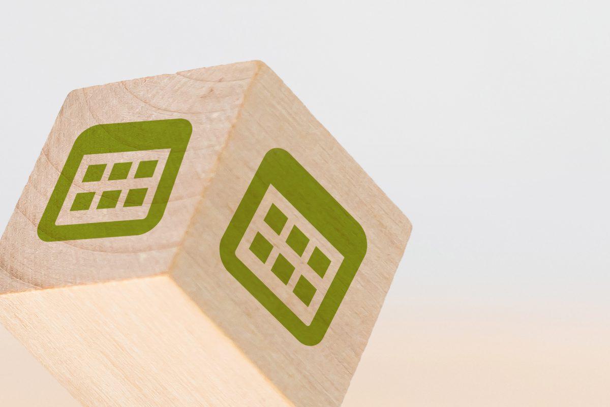 Holzwürfel mit Kalender Icon